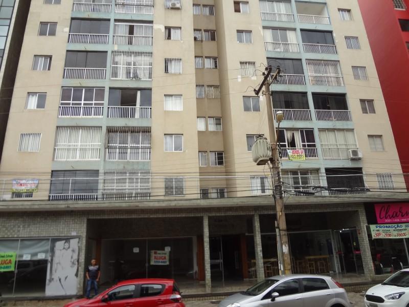 CNB 11 - Ótimo apartamento 2 quartos, no Edifício Carolina, com garagem!