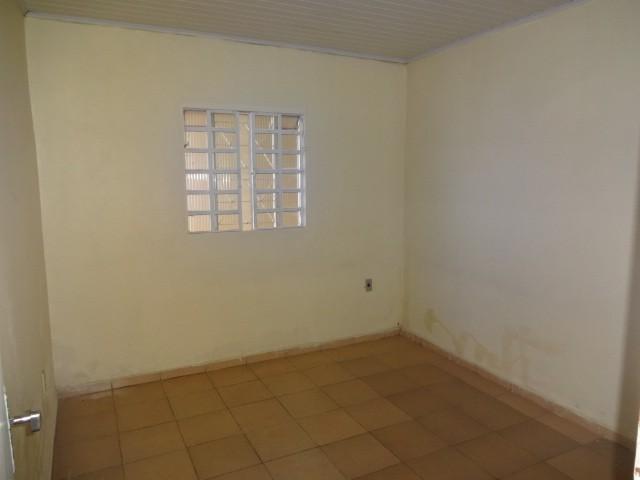 QN 1- Lote escriturado medindo 150,00M² com casa forrada de 02 quartos!