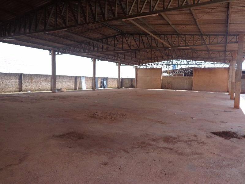 ADE - Galpão de 700m² em terreno de 2500m²!! Ideal para grandes empresas!