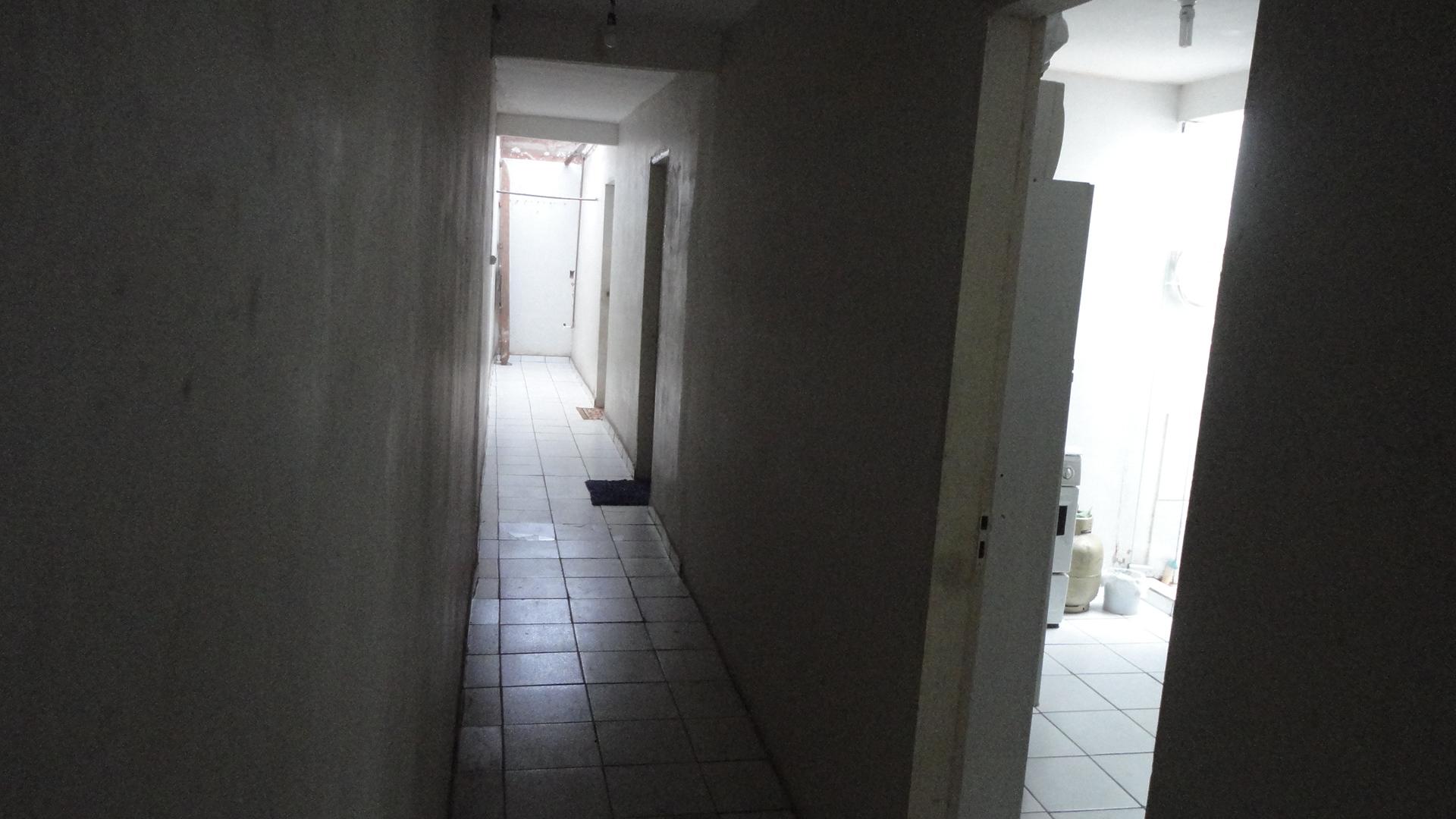 PONTO COMERCIAL 02 LOJAS COM BANHEIROS 28,50 m² CADA, 03 QUARTOS e 03 SALAS (SUÍTES) 30 m² CADA, ÓTIMA LOCALIZAÇÃO E OPORTUNIDADE.