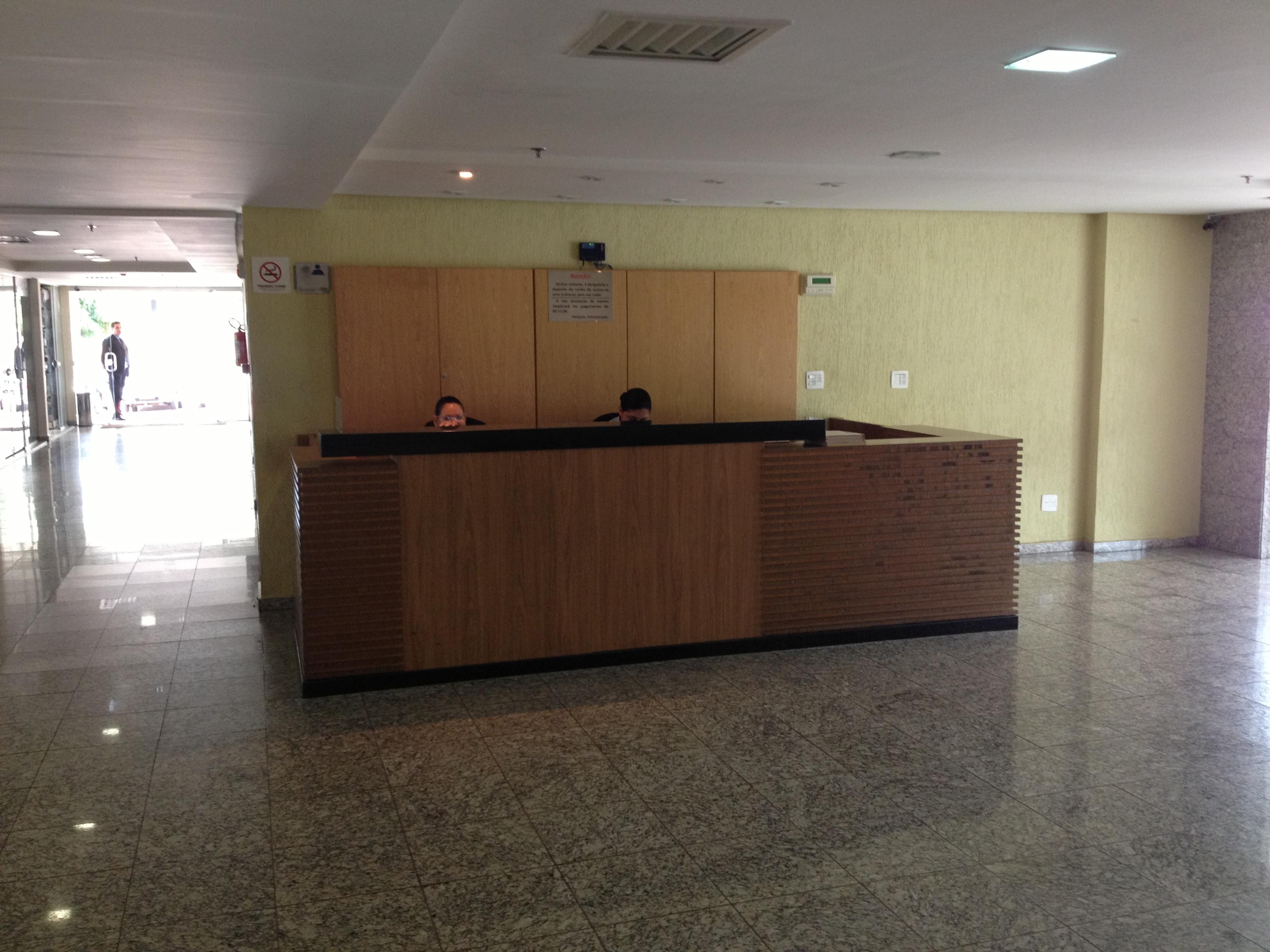 Sala comercial 27m2, andar alto, nascente, vaga de garagem, Asa Sul-DF