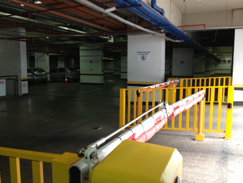 Vendo Excelente Sala Comercial 27m2, ar condicionado, andar alto,1141 Asa Sul-DF !