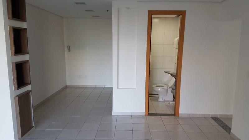 Salas comerciais 54m2, nascente, copa, 2 banheiros, vaga de garagem, Asa Sul - DF