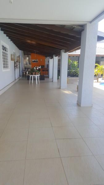 Lote de 1000m2, 4 quartos, 2 suítes, piscina, churrasqueira, Vicente Pires