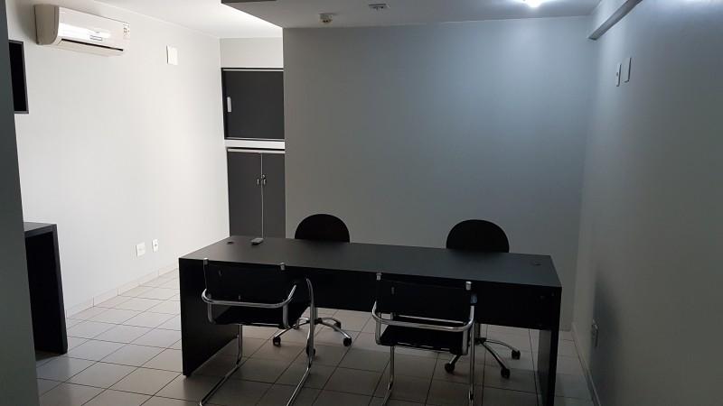 Aluga-se linda sala comercial , 27 m², s215, Asa Sul