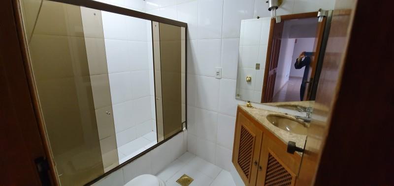 Apartamento 130m2, 2 quartos, 1 banheiro, DCE completo, Asa Sul - DF