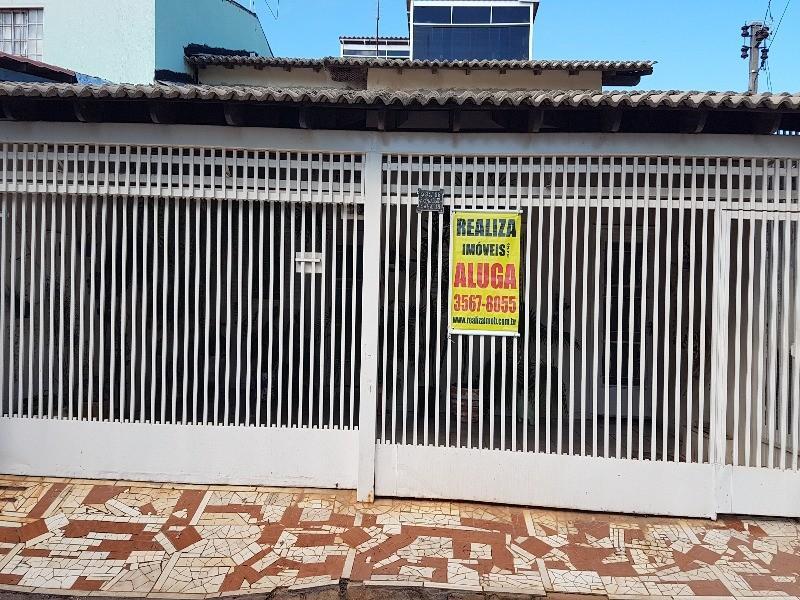 QUADRA QS 8 CONJUNTO 230 E - Areal Águas Claras. ÓTIMA CASA REFORMADA ACEITA FINANCIAMENTO