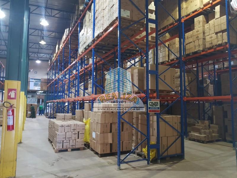 PRÉDIO/GALPÃO 2.000 m², ESQUINA MODERNO