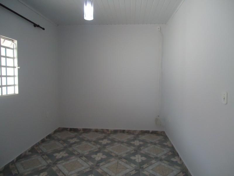 VENDO CASA NA QUADRA 02 CONJUNTO D-7 EM SOBRADINHO DF