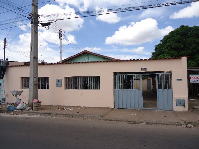 CASA 2 QUARTOS JARDIM CARAVELAS
