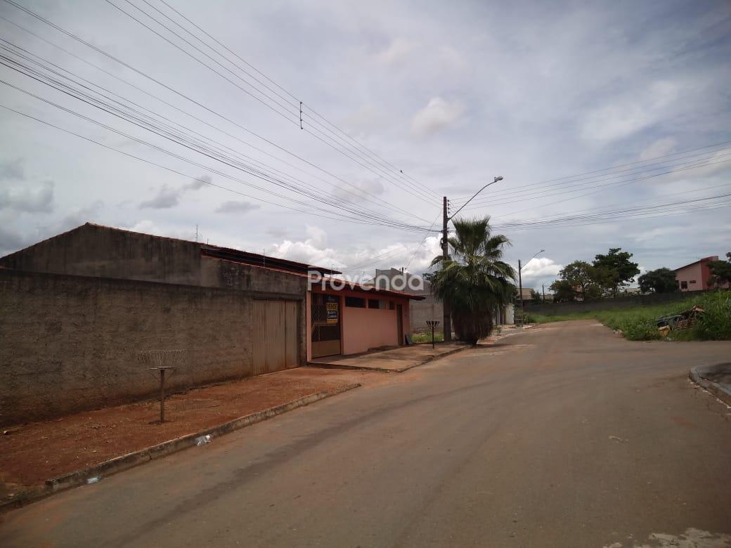 CASA 3 QUARTOS SETOR CENTER VILLE