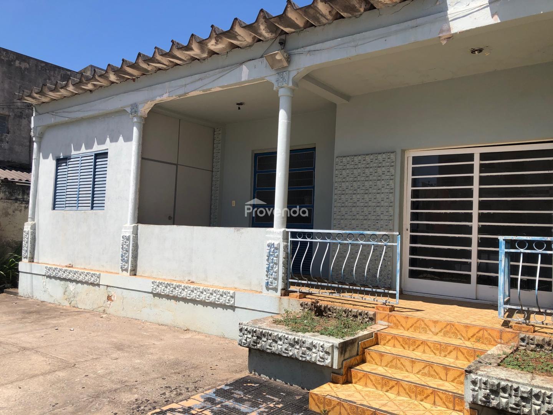 CASA COMERCIAL 3 QUARTOS SETOR SUL