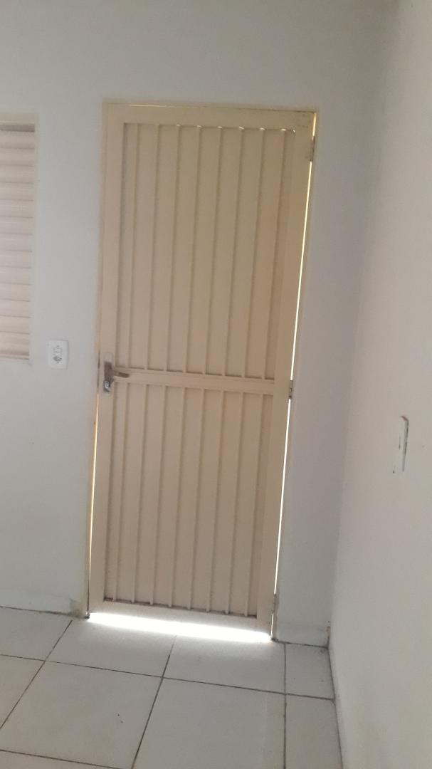 806 SUL - ALUGA SE KIT NET