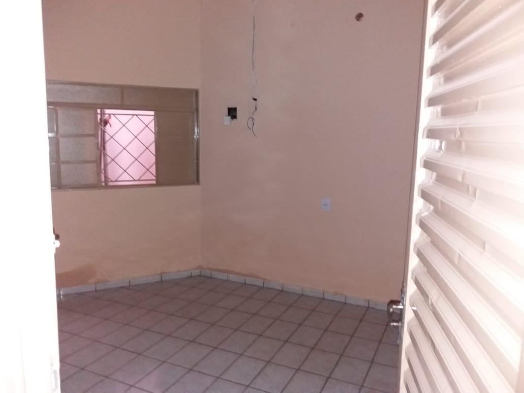 Aluga-se Casa  2/4 - Quadra 906 Sul