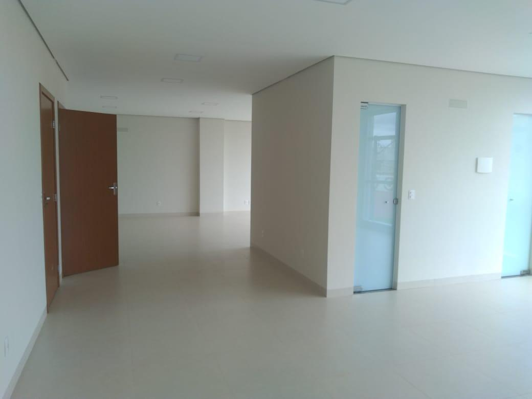 Aluga se Sala Comercial - 50m²