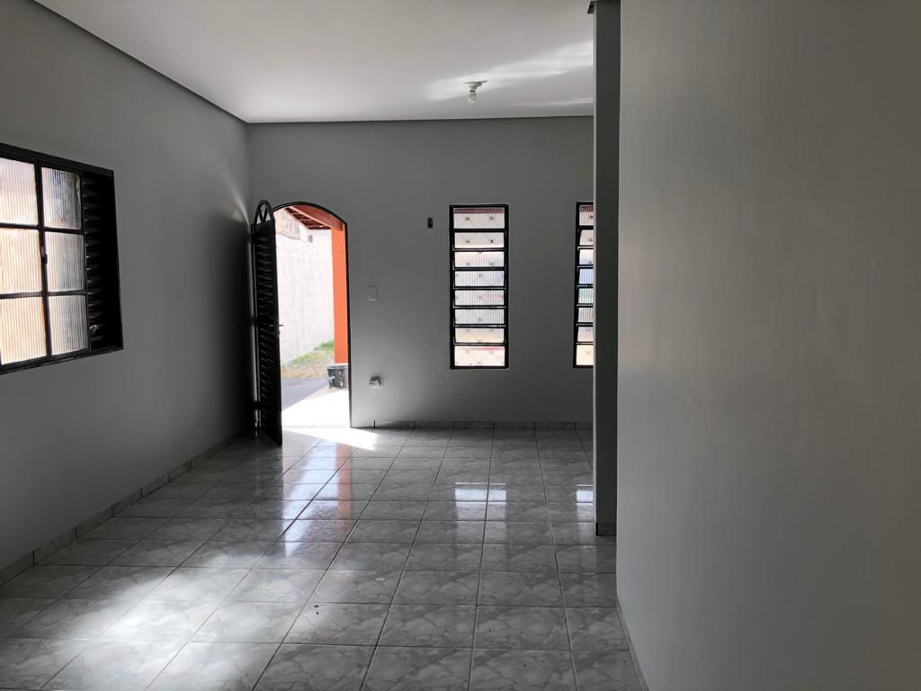 Aluga-se Casa na 110 Sul, Ótima Localização.