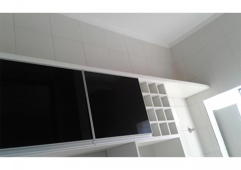 Aluga -se Apt. com 2/4 Sendo uma Suite - no Residencial Parque Cesamar