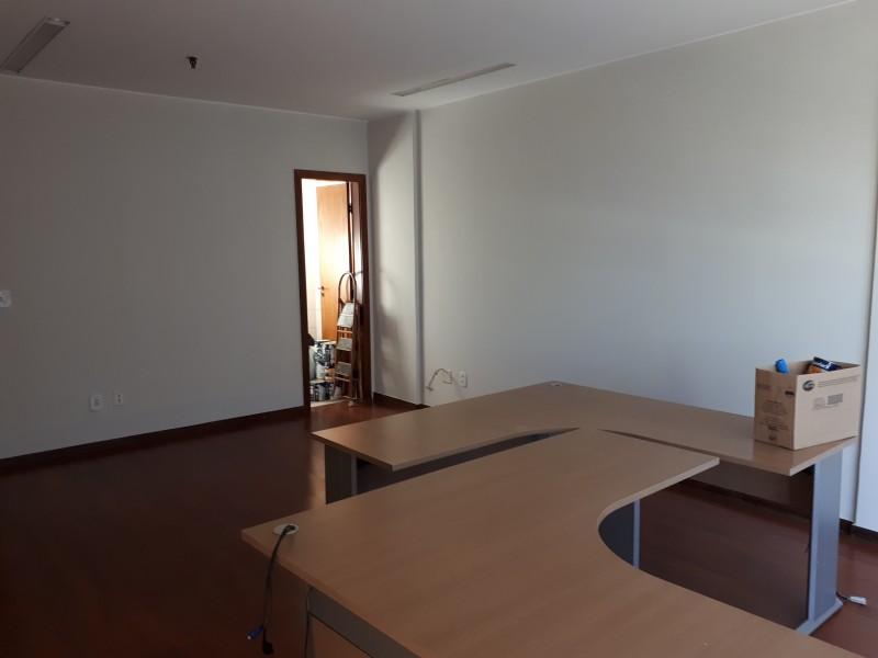 Excelente sala linda vista, SBS, ar-condic, Banheiro - GARAGEM GRÁTIS POR 1 ANO