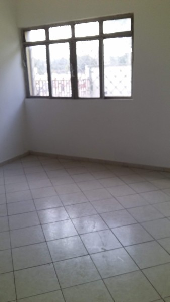 Apartamento de 02 quartos na quadra 02 do Setor Sul.
