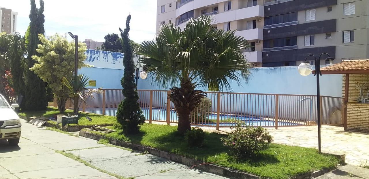 Galpão com salão de Festas e Piscinas.