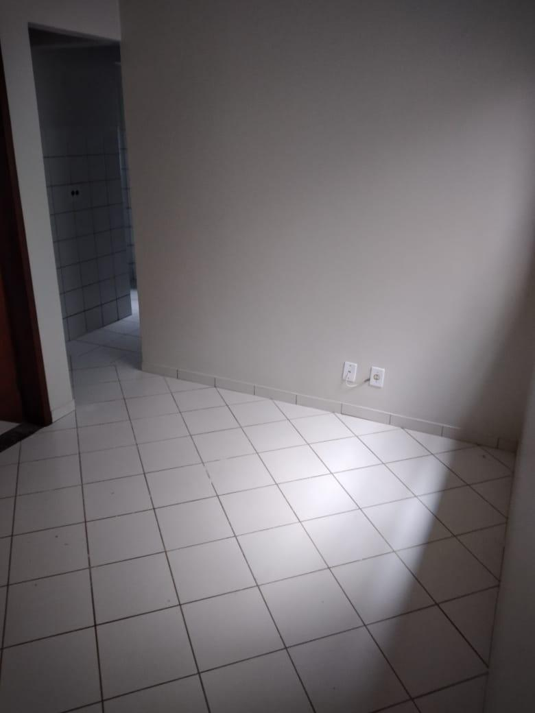 Ótimo apartamento de um quarto na 09 Setor leste