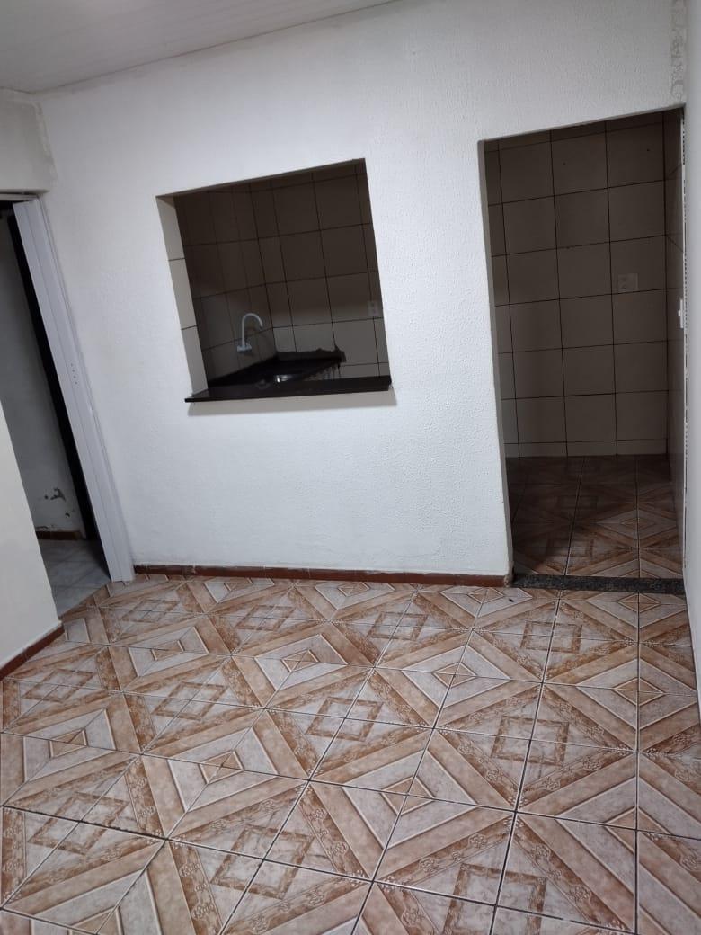 Ótimo apartamento térreo na QI 06 setor de industria