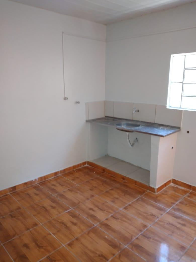 Casa de Fundos 02 quartos na quadra 15 Setor leste gama-DF