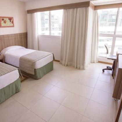 FLAT PARA LOCAÇÃO NO HOTEL SAINT MORITZ DE 33M², MOBILIADO, À R$ 2.700,00!!!