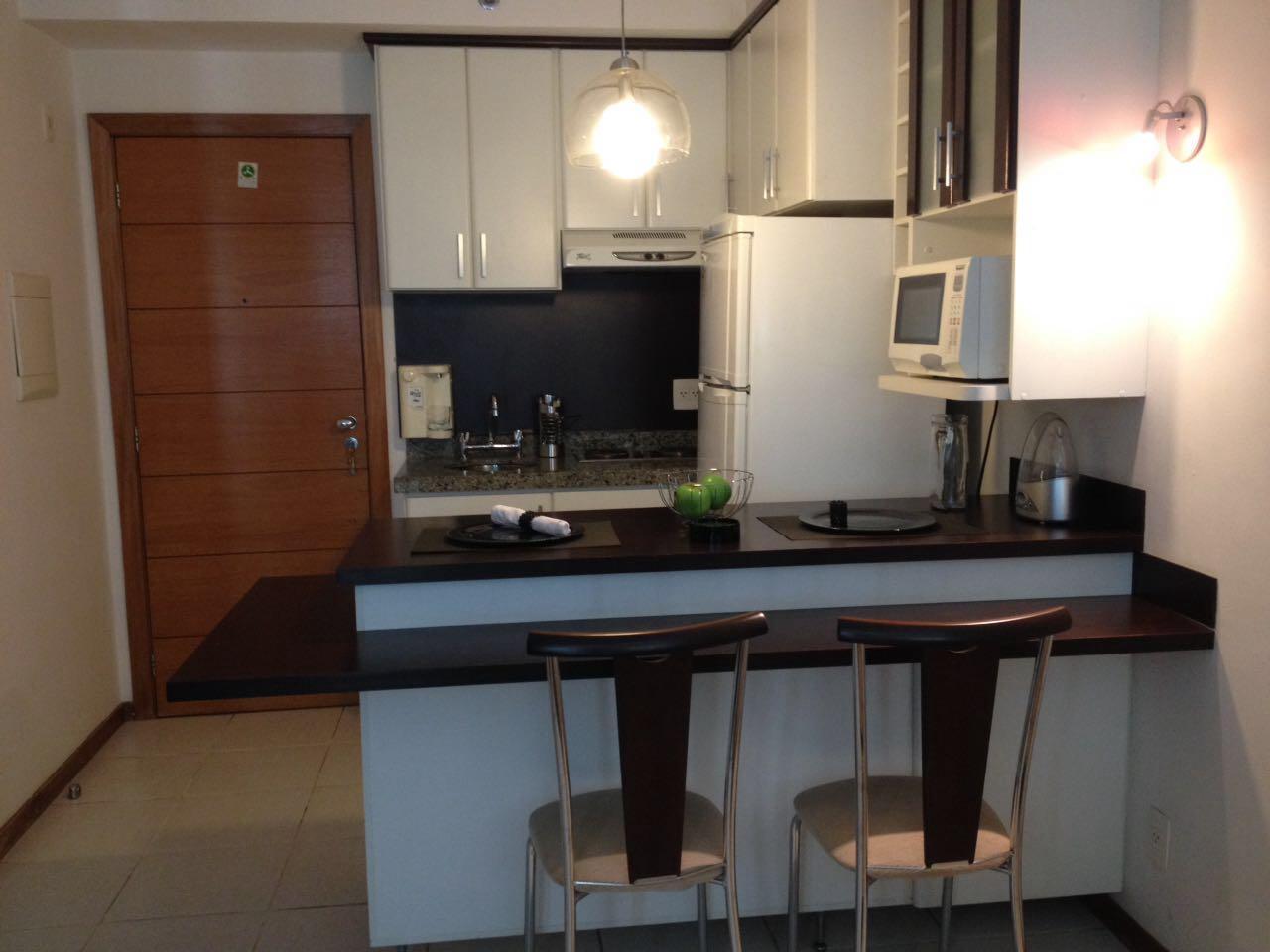 Apartamento para locação no ed. Biarritz 44m²