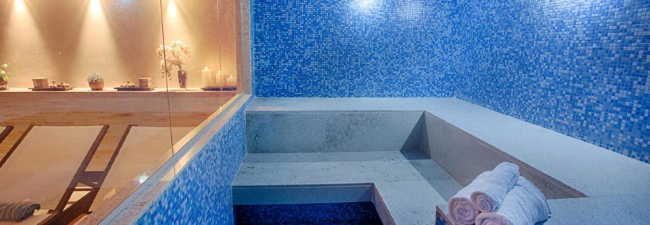 FLAT NO HOTEL FUSION DE 28m², NO 14º ANDAR, À R$ 2.400,00 COM CONDOMÍNIO E IPTU INCLUÍDOS.