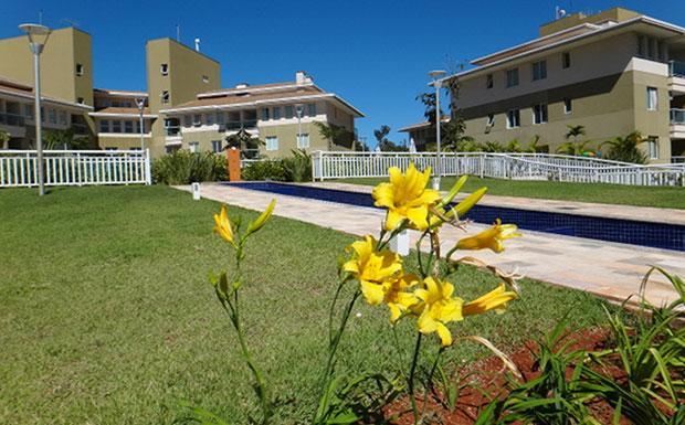 Invest Plus aluga lindo apartamento mobiliado no The Sun Resort!
