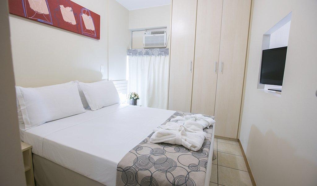 LOCAÇÃO TRIMESTRAL (03 MESES), NO HOTEL VERONA 30m² R$1.300,00!