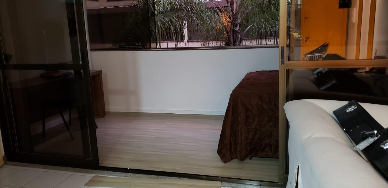 Vendo ótima Kit, 37,49m2, 2 vagas, Cruzeiro Velho, Brasília-DF