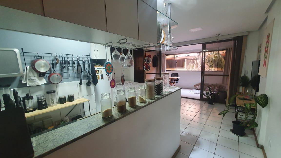 Vendo ótima Kit cond completo, 37,49m2, 2 vagas, Cruzeiro Velho, Brasília-DF