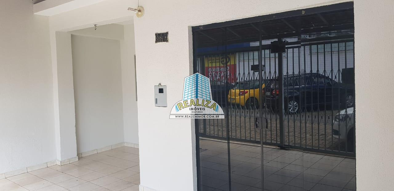 QI 11 Reformada 3 Quartos, Casa toda na Laje, ACEITA FINANCIAMENTO FGTS