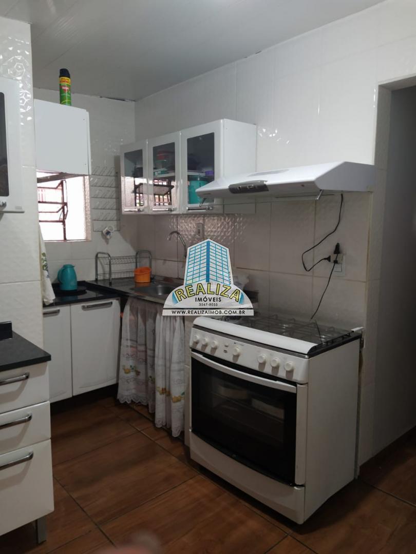 CASA DE ESQUINA, COM EXCELENTE LOCALIZAÇÃO - QE 44 CONJUNTO C