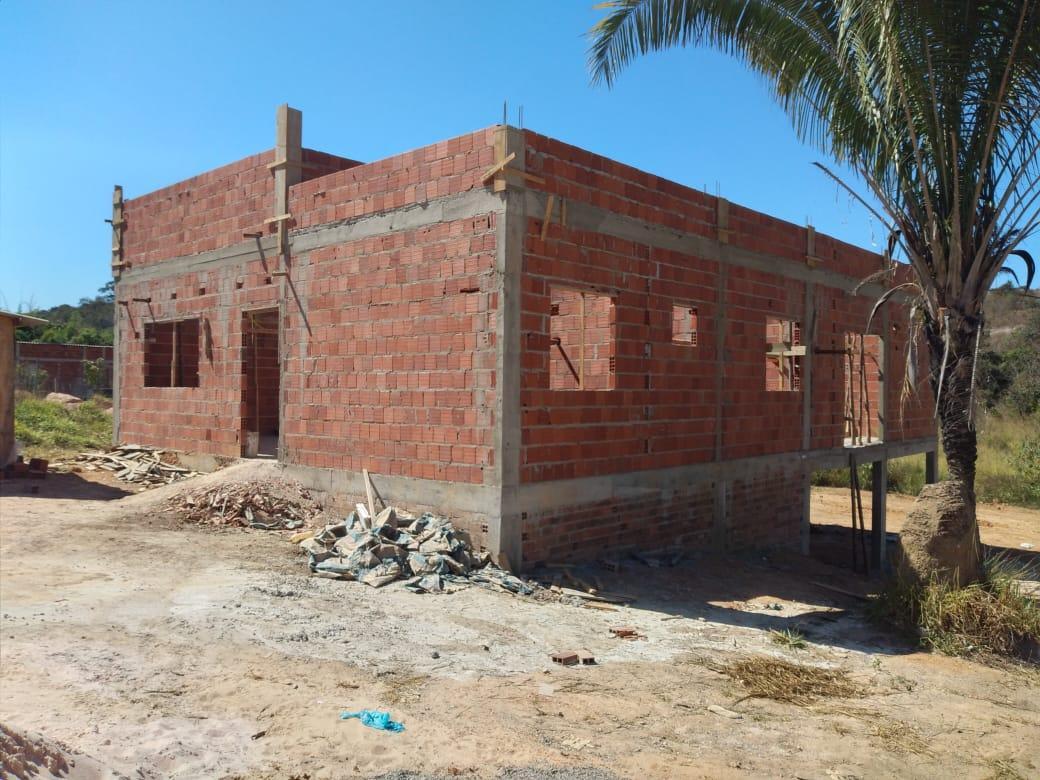 VENDO CASA EM CONSTRUÇÃO NA RODOVIA DF 205 FERCAL-DF