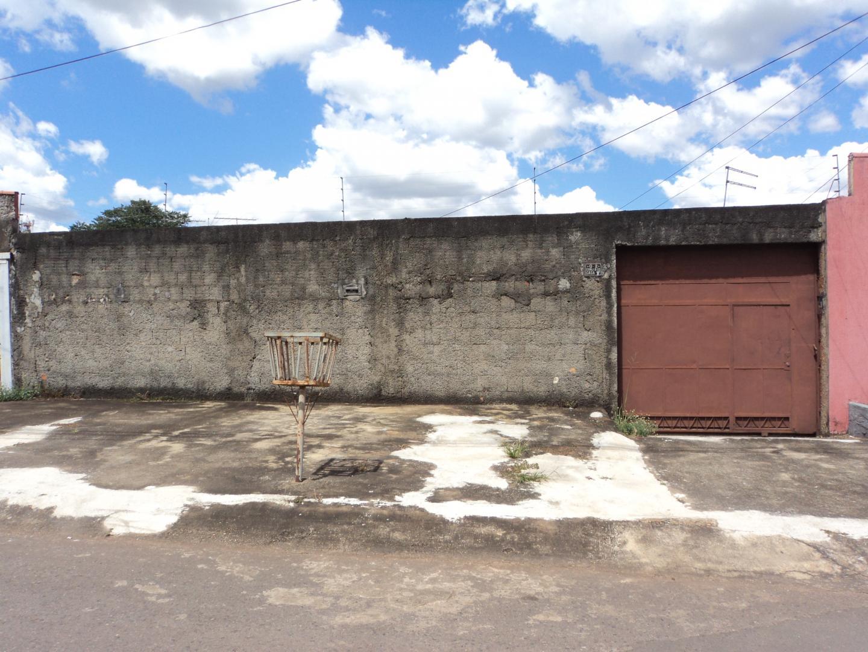 ALUGO CASA COM 02 QUARTOS NA QUADRA 02 CONJ. B-12 SOBRADINHO-DF