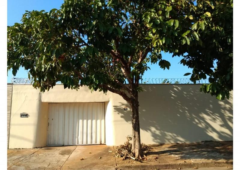 Vende-se Casa na Quadra 110 Norte