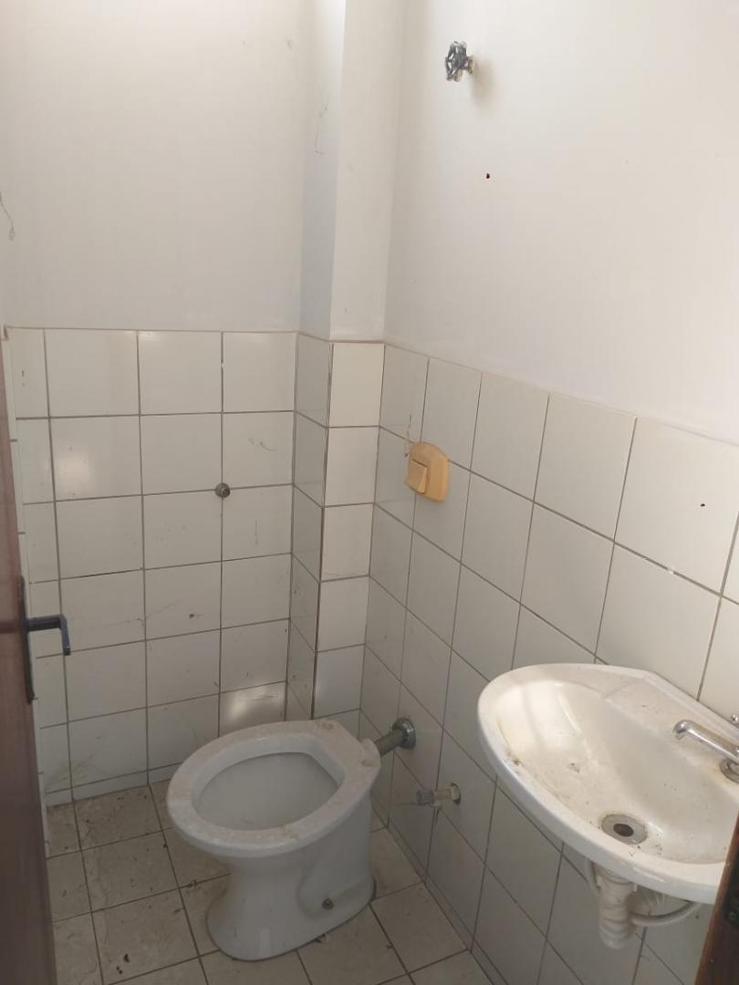 VENDE-SE EXCELENTE SALA COMERCIAL - QD 103 NORTE