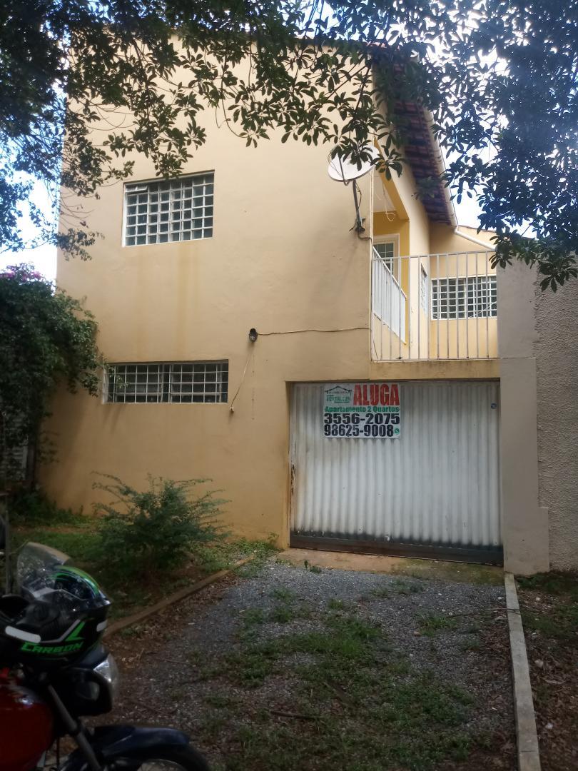 Casa de esquina na Quadra 38, Conjunto A, casa 01 - Setor Central Gama-DF, contendo 02 residências